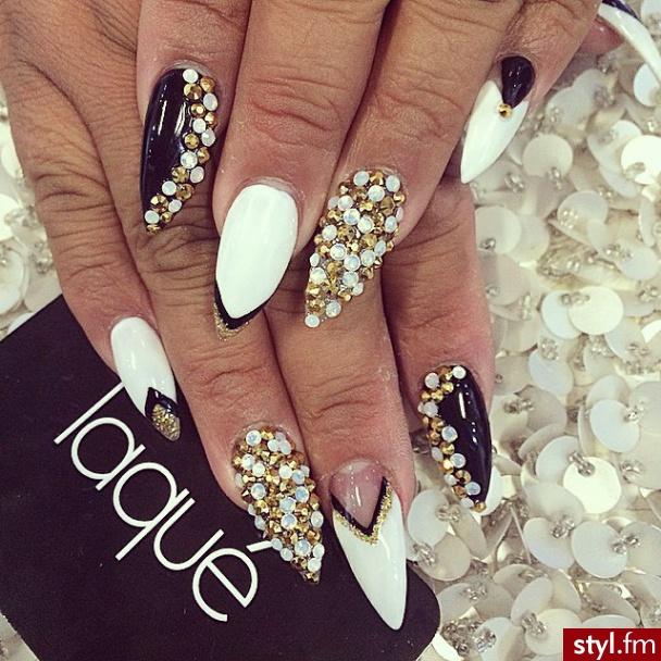 Manicure Czarno Złoty Dla Wielbiących Luksus I Elegancję