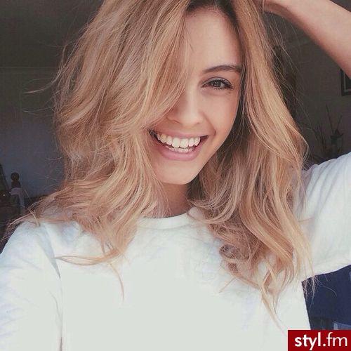 Top Galeria Najmodniejsze Fryzury Z Półdługich Blond Włosów