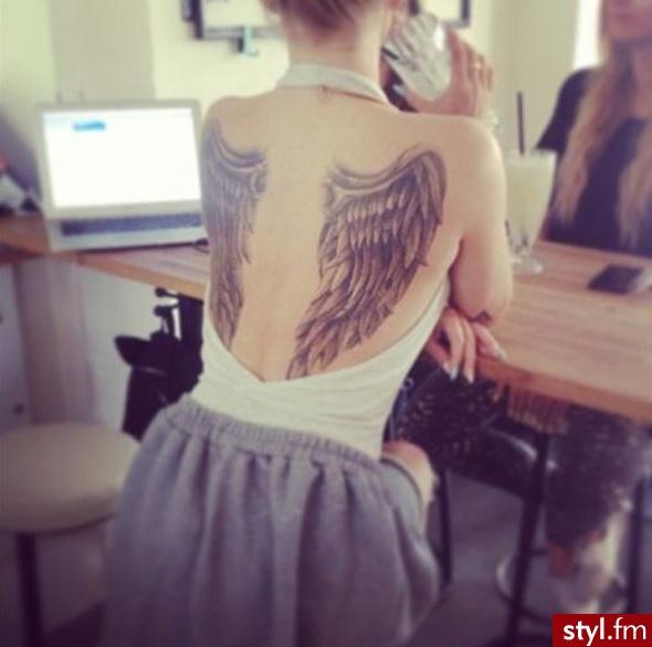 Tatuaże Z Motywem Skrzydeł I Piór Wznieś Się Ponad Przeciętność