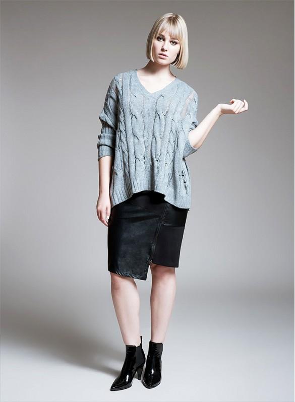 Skórzana spódnica + oversizowy sweter