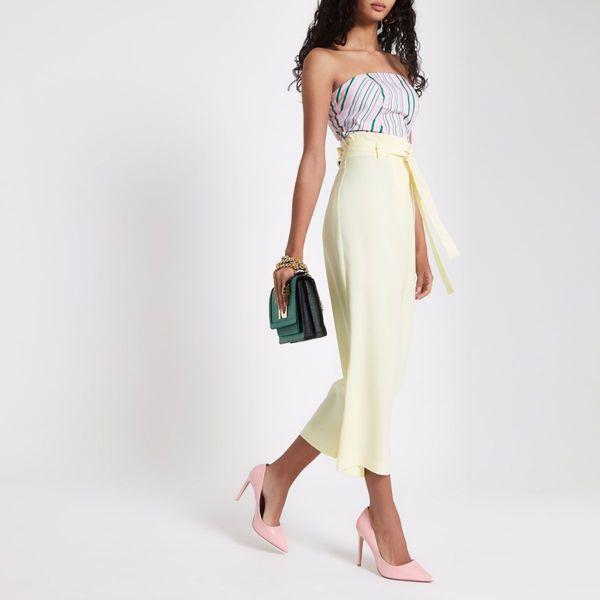 Pastelowe kolory to podstawa delikatnego i dziewczęcego looku. Nie zabraknie ich w sezonie wiosna-lato 2019. Jak je nosić, by nie przesłodzić stylizacji? Zainspiruj się!