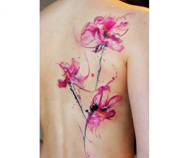 Tatuaże Z Kwiatami Przepiękne Wzory Dużego I Małego Tatuażu