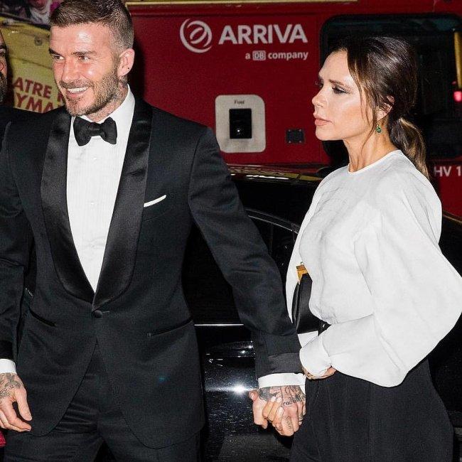 David Beckham z żoną od lat starannie dbają o swój wizerunek. Nowy pomnik miał dodać Davidowi prestiżu...