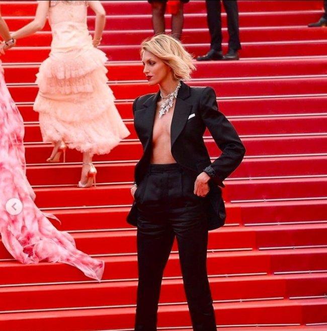 Anja Rubik świeci Nagą Klatą Na Czerwony Dywanie Cannes